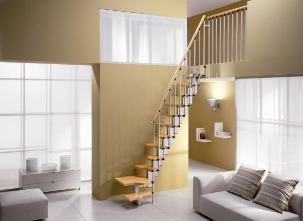 Uitzonderlijk Ruimtebesparende trappen zijn voor zeer kleine ruimtes &KD45